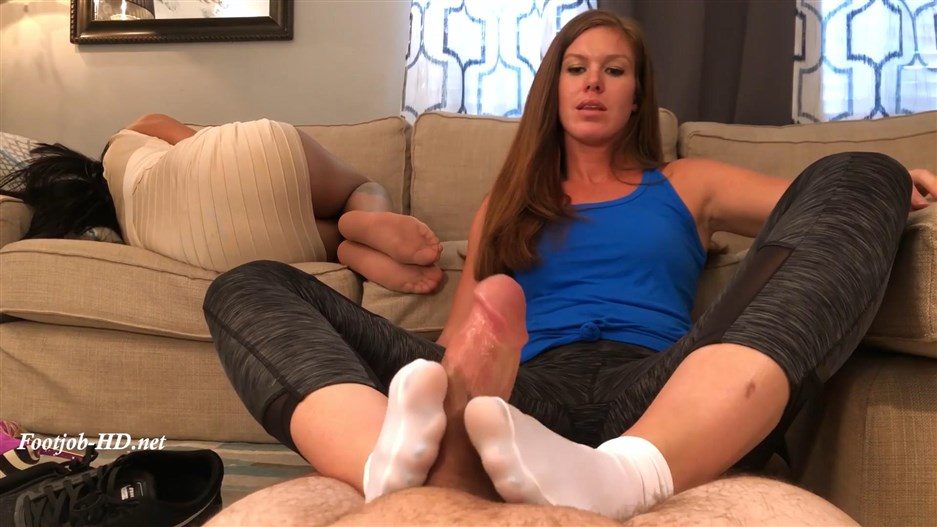 Personal Trainer Ivy Secret First Footjob Sleepy Wife Unaware HD (IVY'S First Footjob) – Bratty Babes Own You