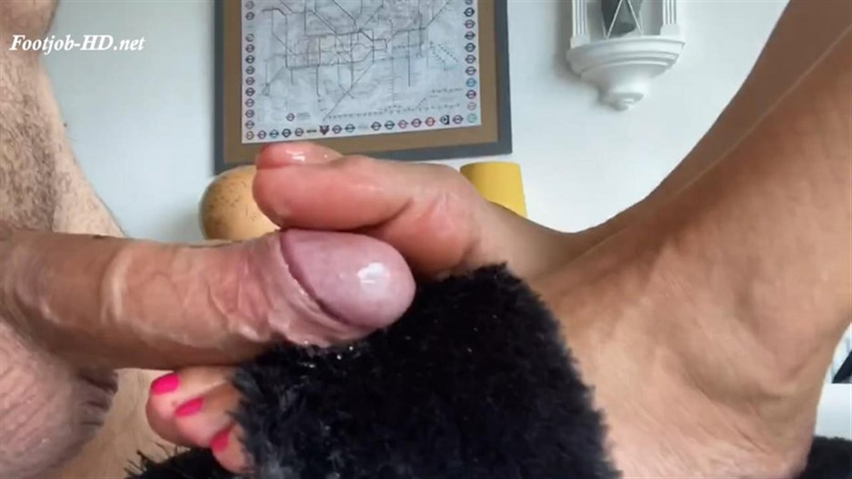 Fucking my slippers – Feetwonders