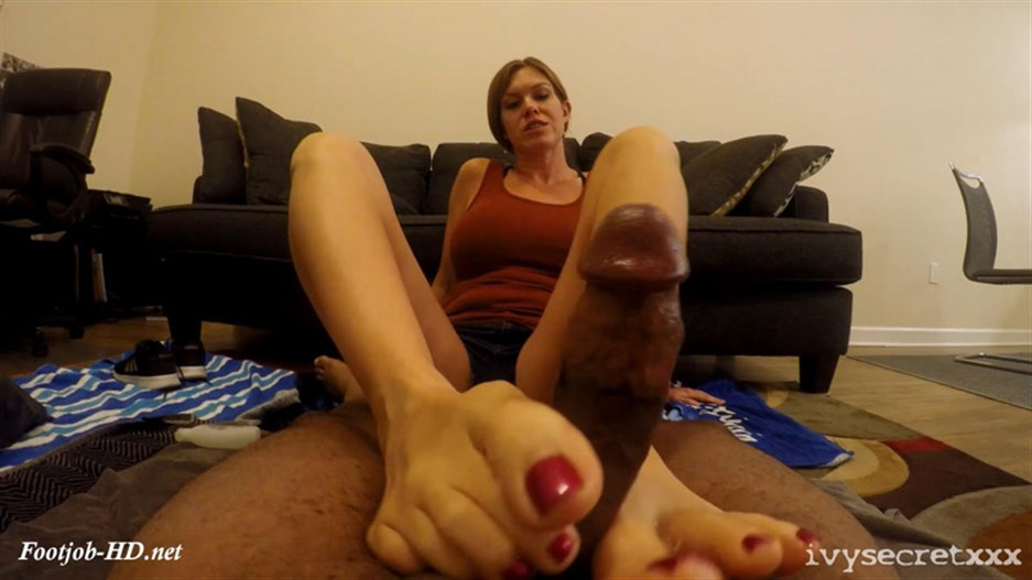 Ivy Gives A Fan 1st Footjob 2 – Ivy Secret